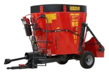 2017 self propelled feed mixer