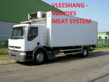 2005 RENAULT refrigerated truck