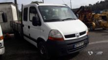 2004 RENAULT MASTER closed box