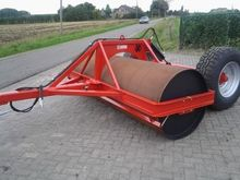 W300 towed roller