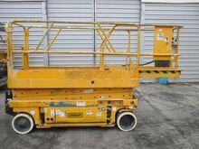 Used 2000 GENIE GS 2