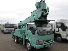 2004 ISUZU Elf bucket truck