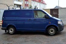 2004 VOLKSWAGEN closed box van