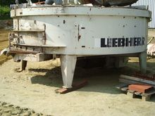 Used LIEBHERR concre