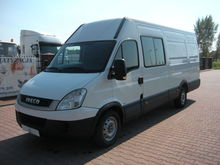 2011 IVECO Daily 35S18 closed b