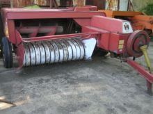 INTERNATIONAL 440 square baler