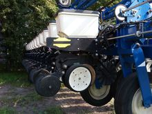 Used 2015 KINZE 24 r