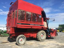 CASE IH 2055 combine-harvester