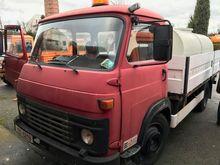 1995 AVIA A 31 TN flatbed truck