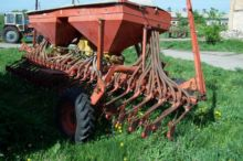 ACCORD pneumatic seed drill