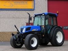 Used HOLLAND T4050F