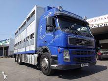 2006 VOLVO 460 livestock truck