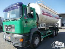 2000 MAN 30.414 flour truck