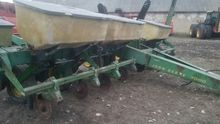JOHN DEERE 7000 mechanical seed