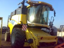 2005 HOLLAND CX 820 SL combine-