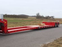 UL200 low bed semi-trailer