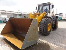 2011 LIEBHERR L 566 wheel loade