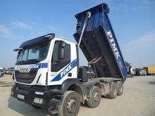 2015 IVECO AD 410 T dump truck