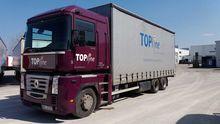 2006 RENAULT MAGNUM truck curta