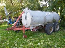 1980 PT 7000 fertiliser spreade