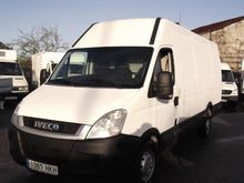 2012 IVECO DAILY 35S18 closed b