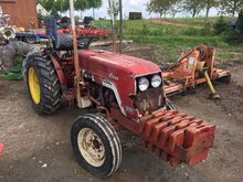 INTERNATIONAL 533 wheel tractor