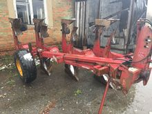 NAUD 5545 reversible plough
