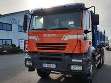 2005 IVECO Trakker AD 260 T 35