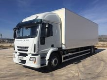 Used IVECO closed bo