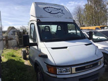 2003 IVECO 35 S 2.8 d chassis t