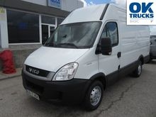 2011 IVECO Daily 35S13V closed