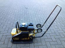 2016 BOMAG BVP18-45 plate compa