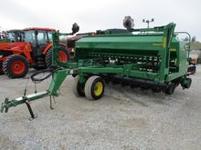 JOHN DEERE 1590 mechanical seed