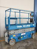 2001 GENIE GS 2032 scissor lift