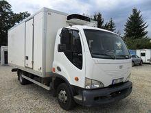 2004 AVIA D80-L refrigerated tr