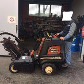 DITCH-WITCH R 150 trencher