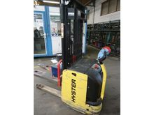 2008 HYSTER S 1.6 pallet stacke