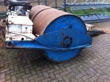 GETROKKEN Trilrol towed roller