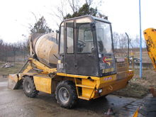 2008 Dumec bt 3500 concrete mix
