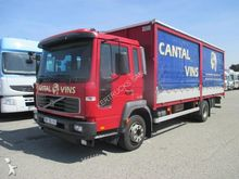 2004 VOLVO FL6 truck curtainsid