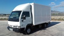 Used NISSAN CON PUER