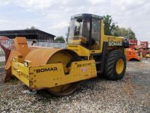 1990 BOMAG BW217 PD single drum