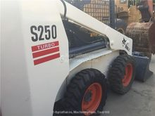 2014 BOBCAT S250 skid steer