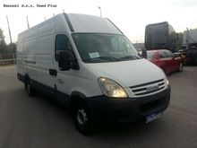 2008 IVECO DAILY 35S12 closed b