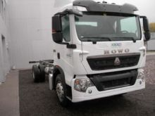 2016 HOWO T5G chassis truck