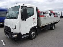 2014 RENAULT flatbed truck