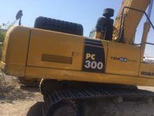 2009 KOMATSU PC300 tracked exca