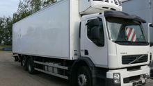 2009 VOLVO refrigerated truck