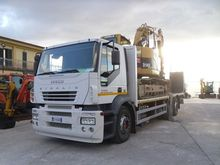 Used Flatbed truck i
