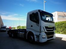 IVECO AS260S51XP hook lift